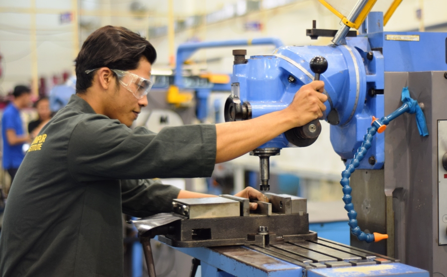 <span>Bachelor of Engineering Technology (Hons.)in</span>Manufacturing (Automotive)